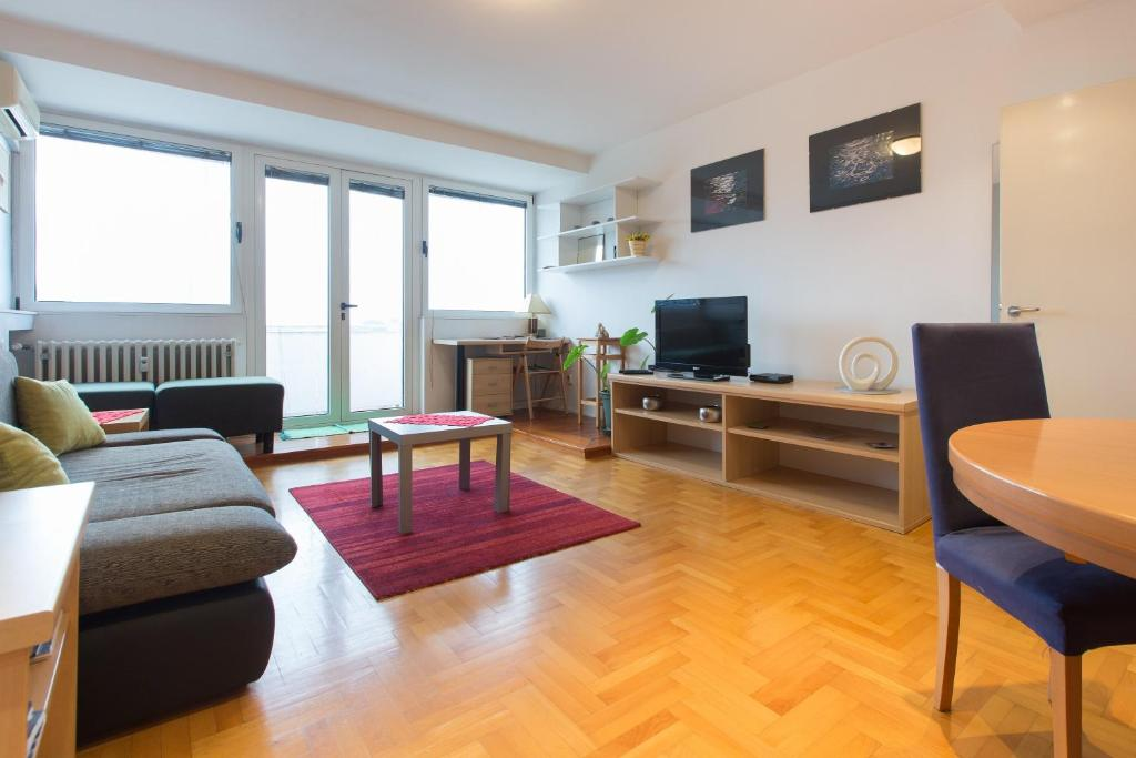 Living Room Zagreb apartment love zagreb, croatia - booking