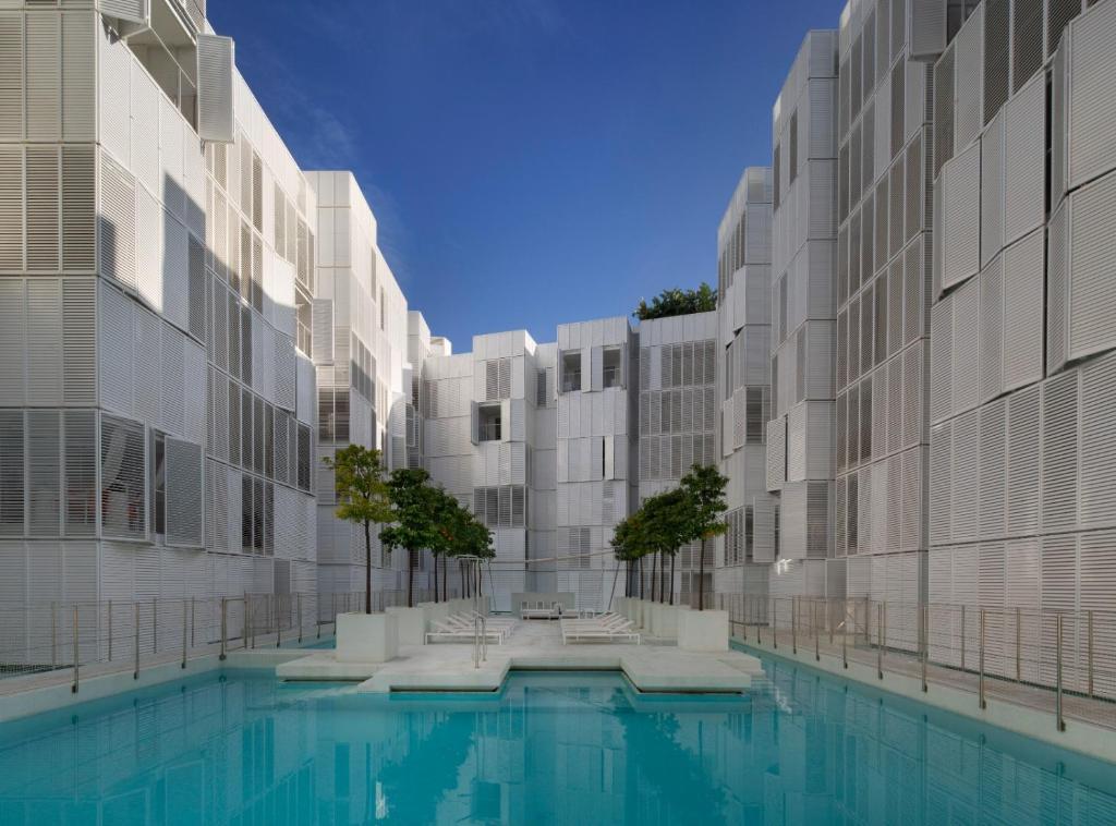Appartamento patio blanco marina botafoch spagna ibiza for Soggiorno ibiza