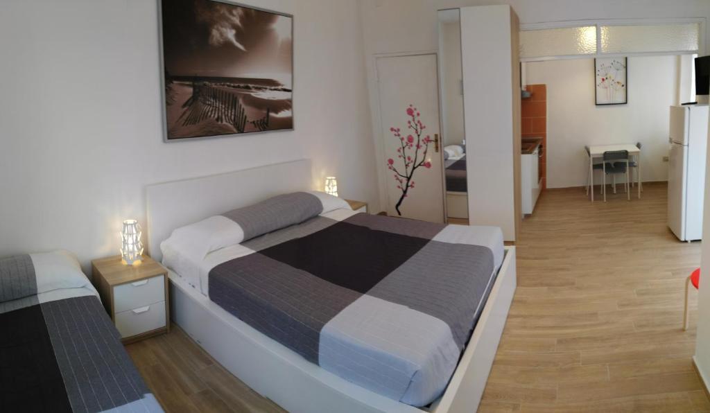 Residence hotel vittoria italien tirrenia booking