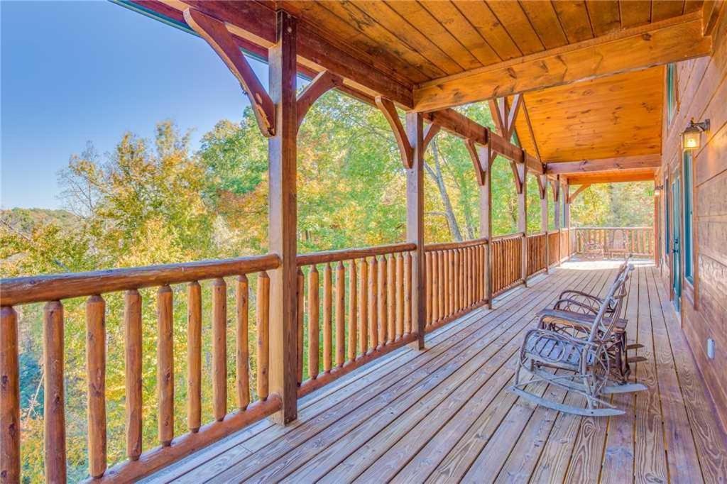 Big Sky Lodge II- 7 Bedroom Cabin, Gatlinburg, TN - Booking.com