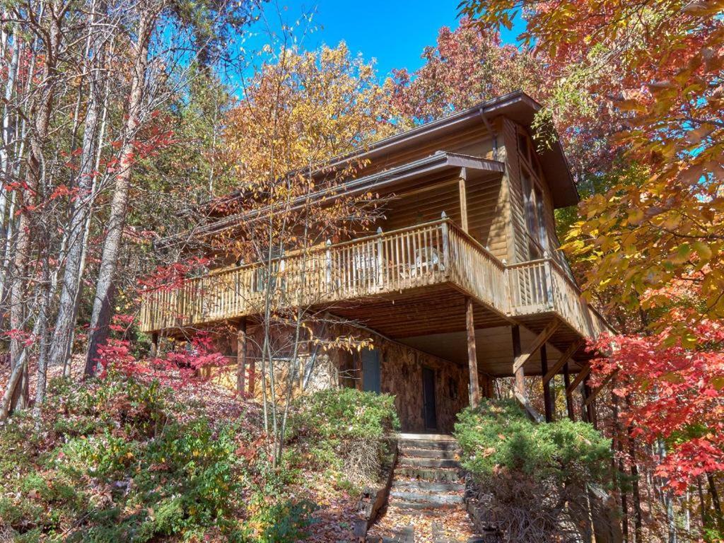 Vacation Home Scenic Vista- Four-Bedroom Cabin, Rocky Grove, TN ...