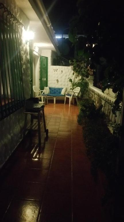 +46 fotos. Sluiten ×. Las Americas Tenerife Bungalow