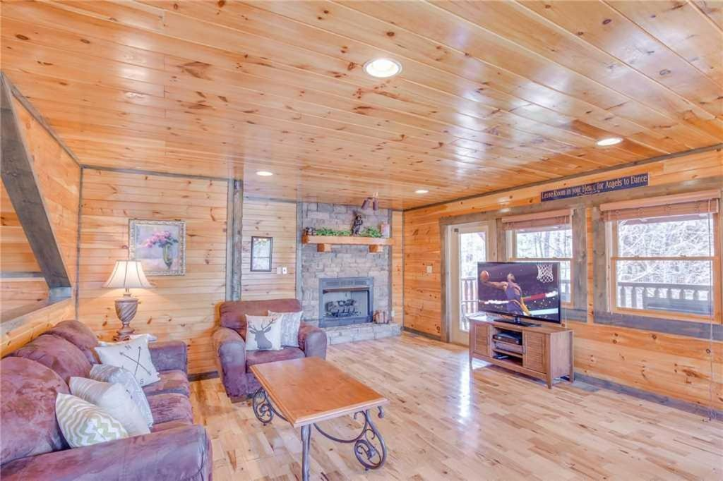 Old hickory lodge four bedroom cabin gatlinburg tn - 4 bedroom cabins in gatlinburg tn ...