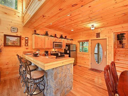 Vacation Home Splashing Sunrise Two Bedroom Cabin Pigeon Forge Tn