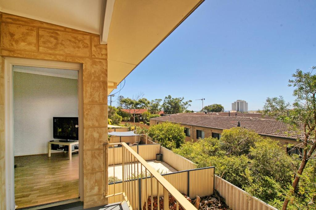 Apartment Acacia Perth Australia Booking Impressive 3 Bedroom Apartments Scarborough Decor Collection