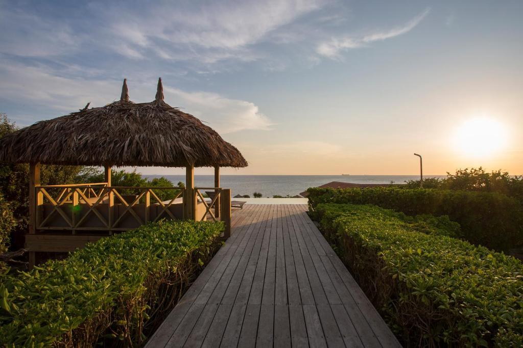 Hotel cerca : Boca Gentil Villa Bista Riba Laman
