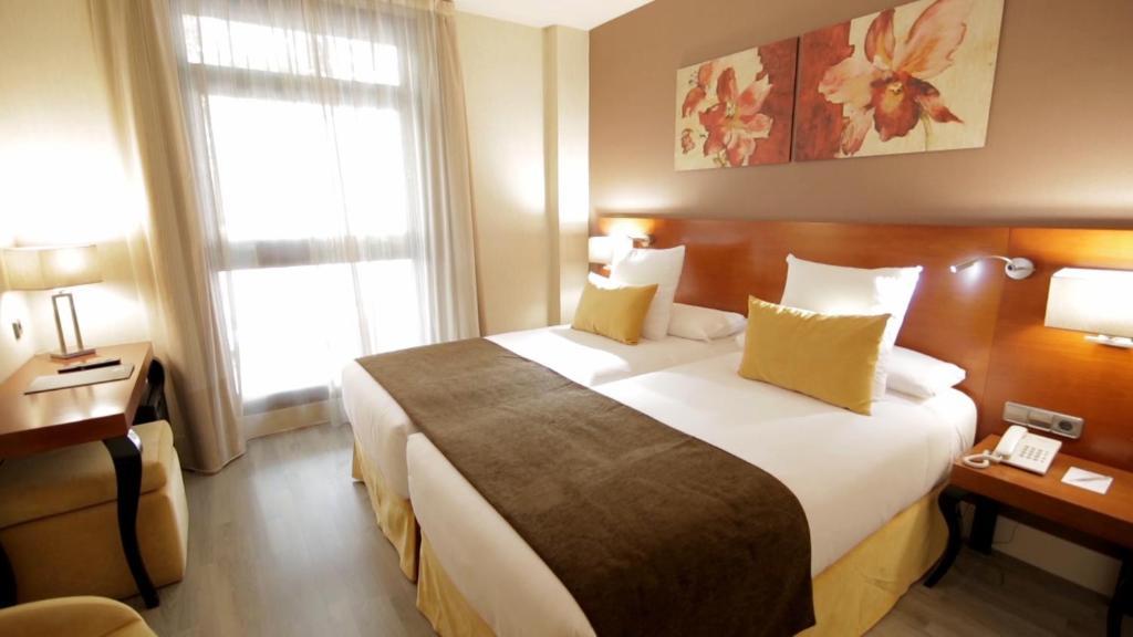 Image result for hotel puerta de toledo 3 din madrid spania