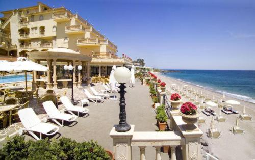 Hellenia yachting hotel italien giardini naxos booking