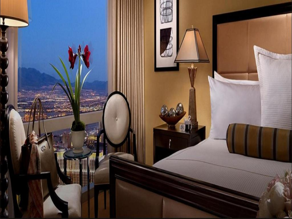 Mandalay Bay Extra Bedroom Suite Trump Hotel Las Vegas Nv Bookingcom