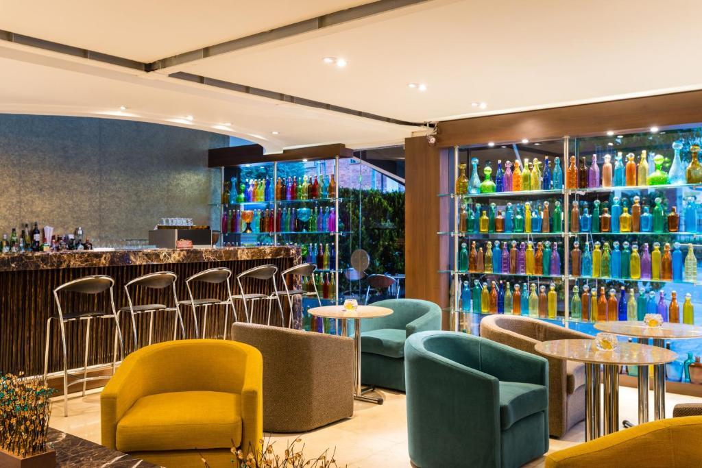 Camere Familiari Lugano : Hotel lugano suites bogotá u prezzi aggiornati per il