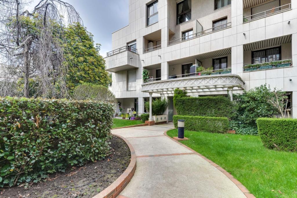 Apartment Welkeys Porte De SaintCloud BoulogneBillancourt France - Hotel porte de saint cloud