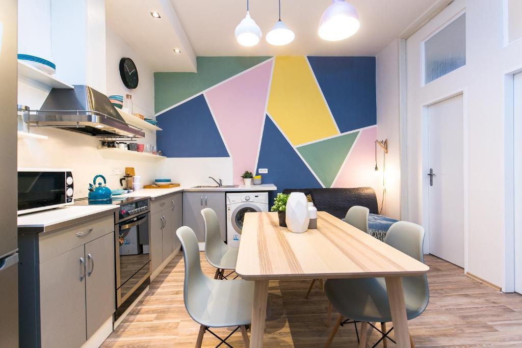 Küche/Küchenzeile in der Unterkunft Apartments Ve Smeckach 27