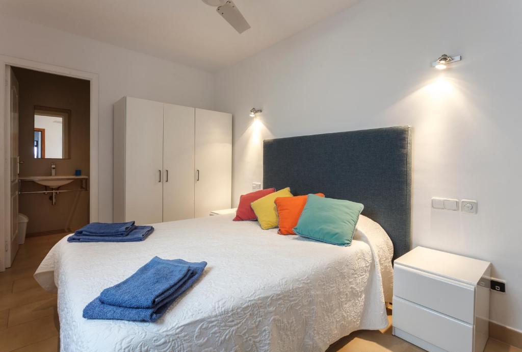 Bonita foto de CALA AGULLA First Line Apartment