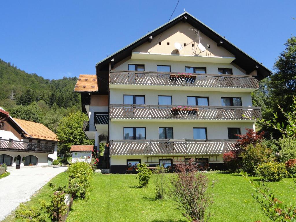 Hotel Winkler (Slowenien Lokve) - Booking.com