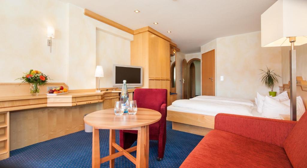 Hotel Landidyll Albtablick, Häusern, Germany - Booking.com
