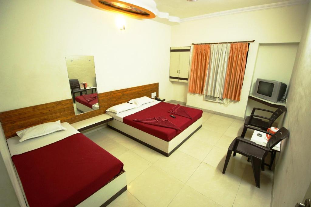 Hotel Laxmi Palace Shirdi India Booking Com