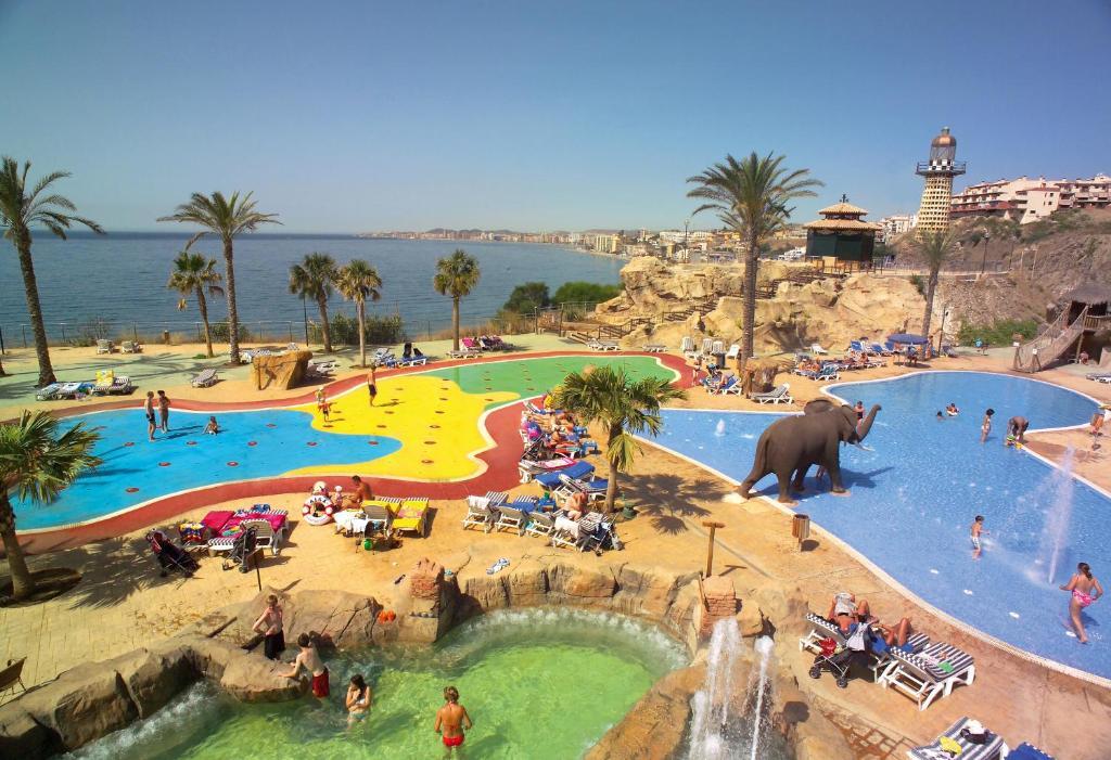 Holiday world premium resort espa a benalm dena - Fotos de benalmadena costa ...
