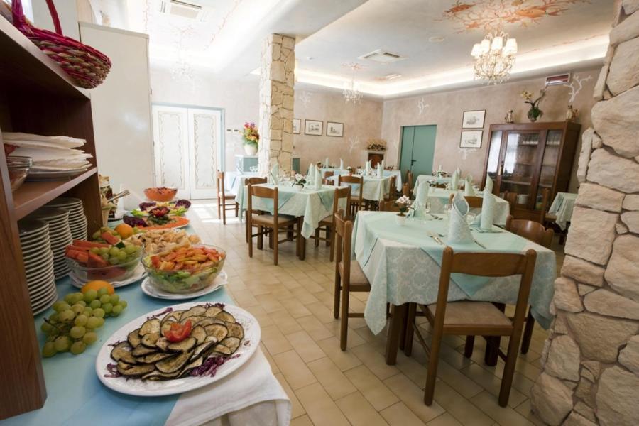 Hotel Rodi (Italia Cervia) - Booking.com