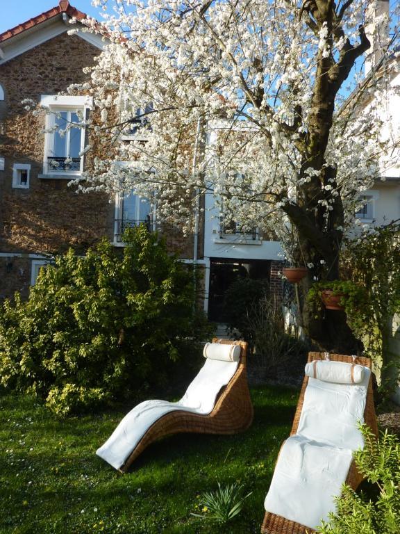 Bed and Breakfast Maison Romantique, Le Perreux-Sur-Marne, France ...
