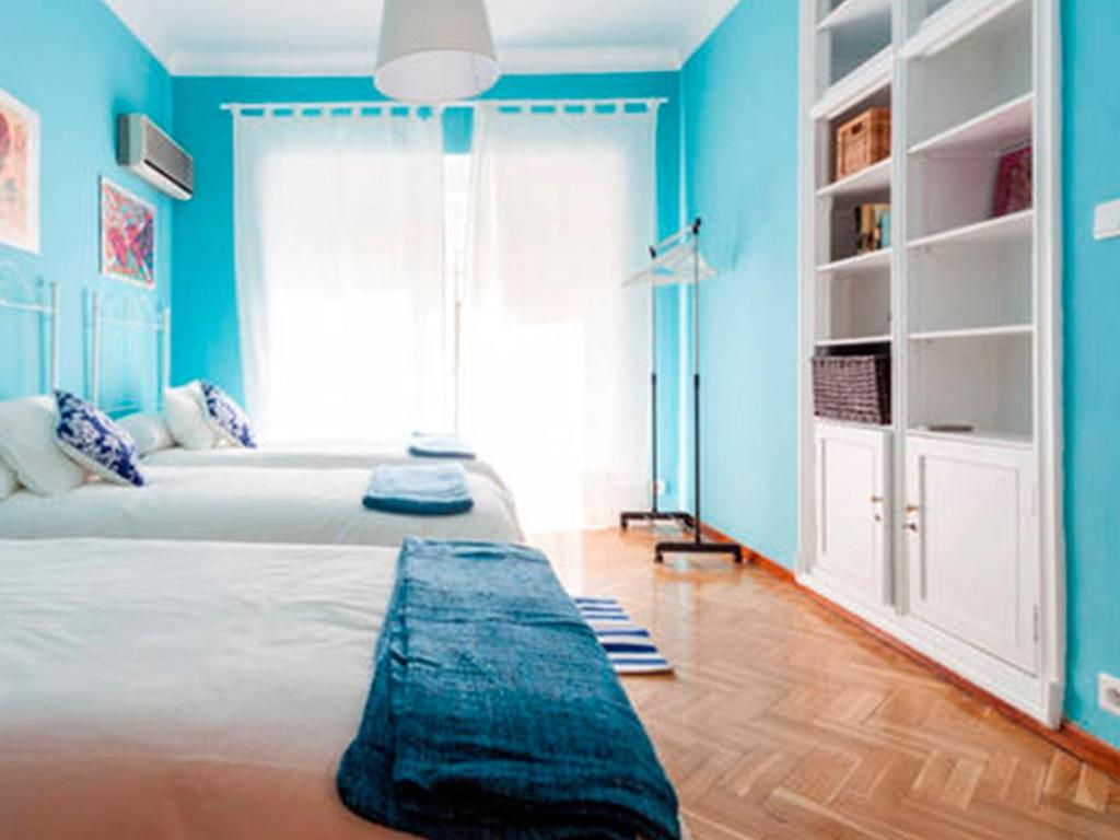 A bed or beds in a room at Setefilla