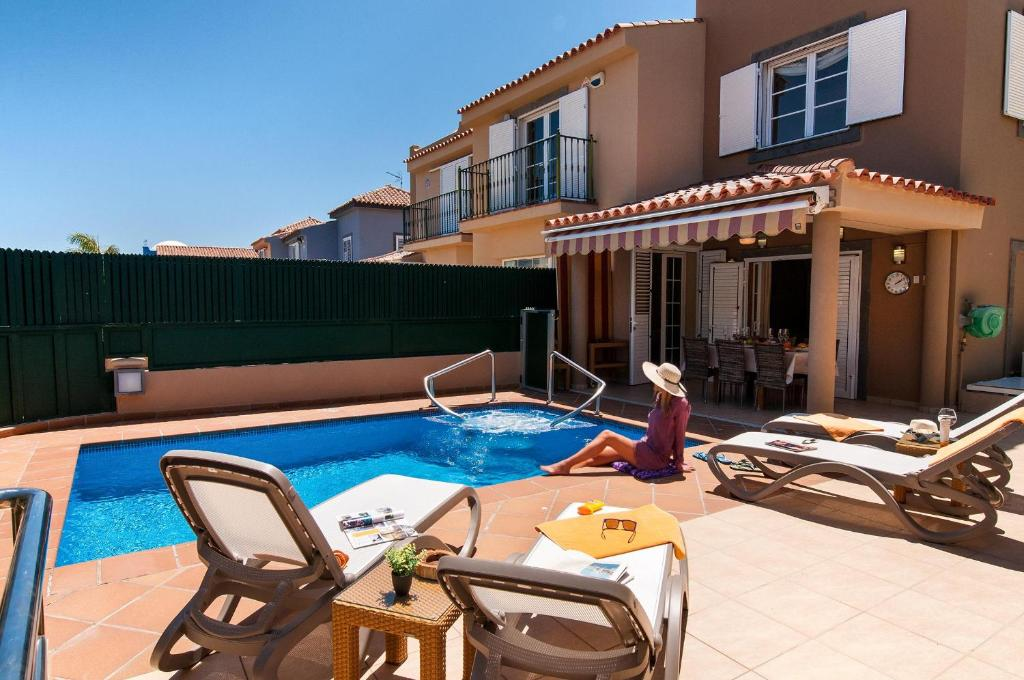 The swimming pool at or near Meloneras Hills 16 With Pool