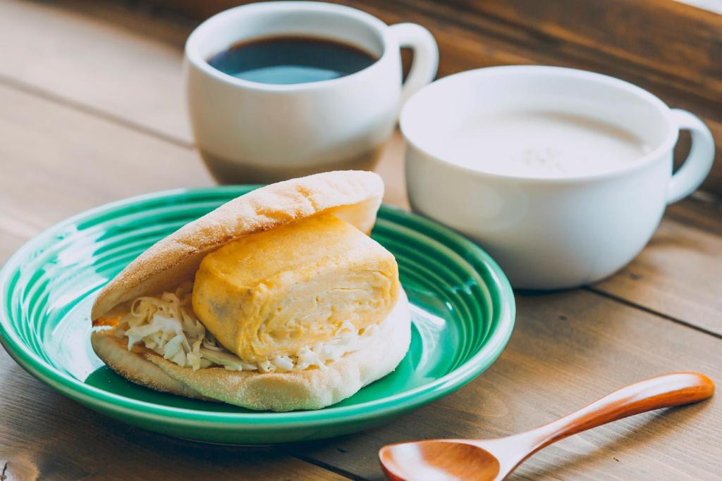 Breakfast options available to guests at Mezamashi Sandwich