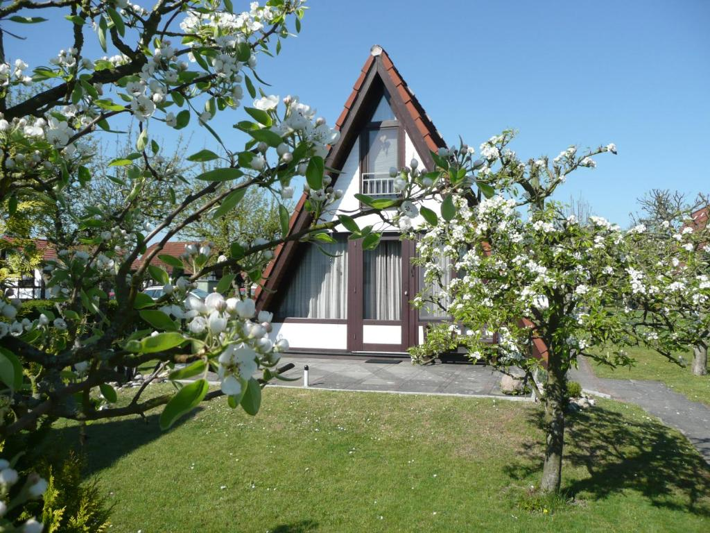 Das Ferienhäuschen St Pauli ferienhaus wigwam im feriendorf al bachenbrock germany booking com