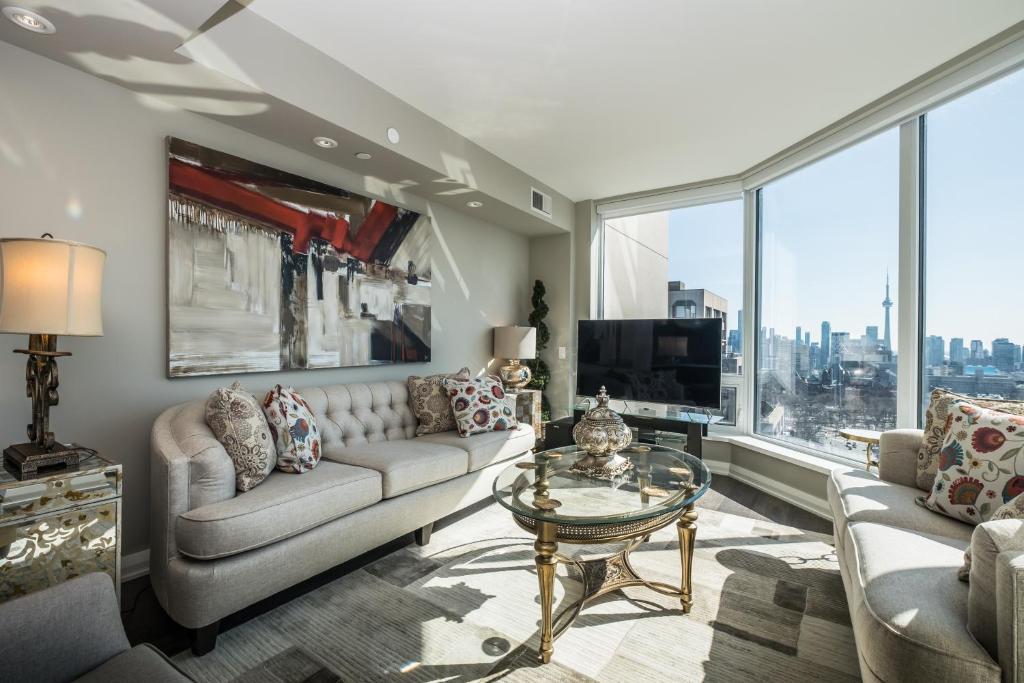 Apartment 2bdrm in Yorkville (Yonge & Bloor), Toronto, Canada ...