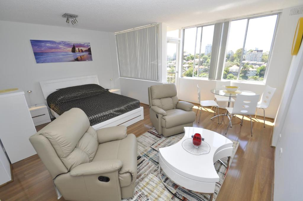 Neutral bay self contained studio apartment 502way sydney gallery image of this property solutioingenieria Images