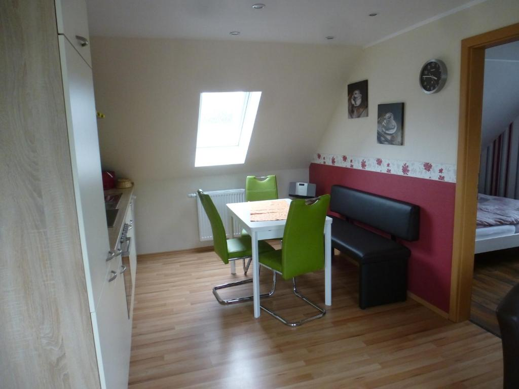 apartment as bi uns to huus wilhelmshaven germany. Black Bedroom Furniture Sets. Home Design Ideas