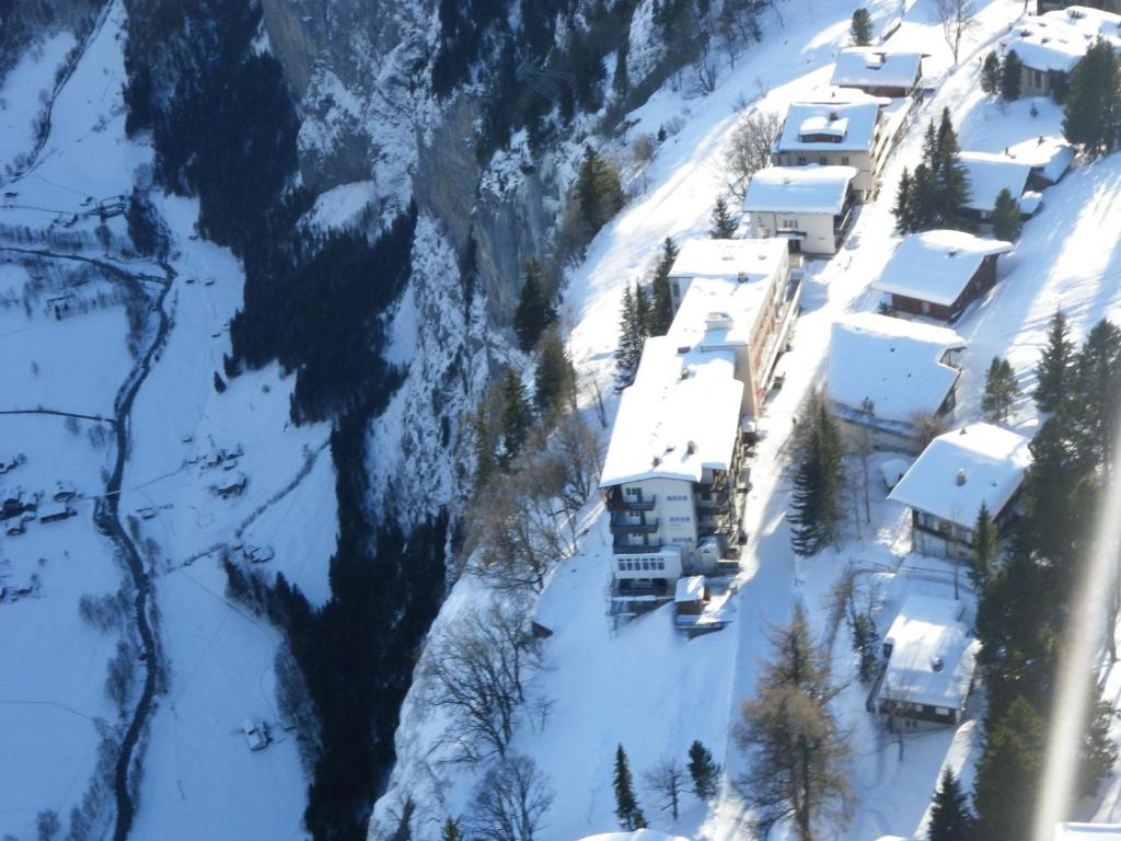 Hotel Alpina Mürren Switzerland Bookingcom - Alpina hotel switzerland