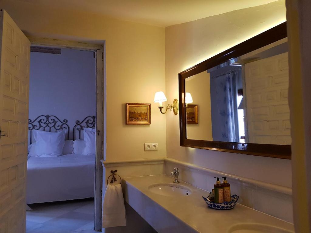 boutique hotels in granada  108