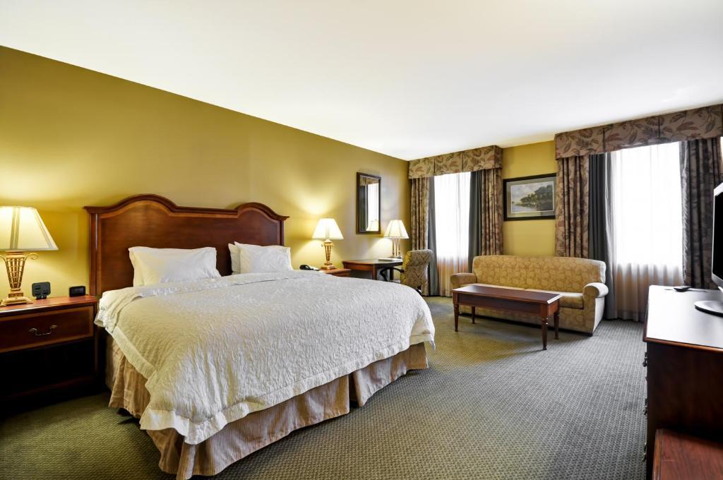 Hampton Inn Charleston, SC - Booking.com