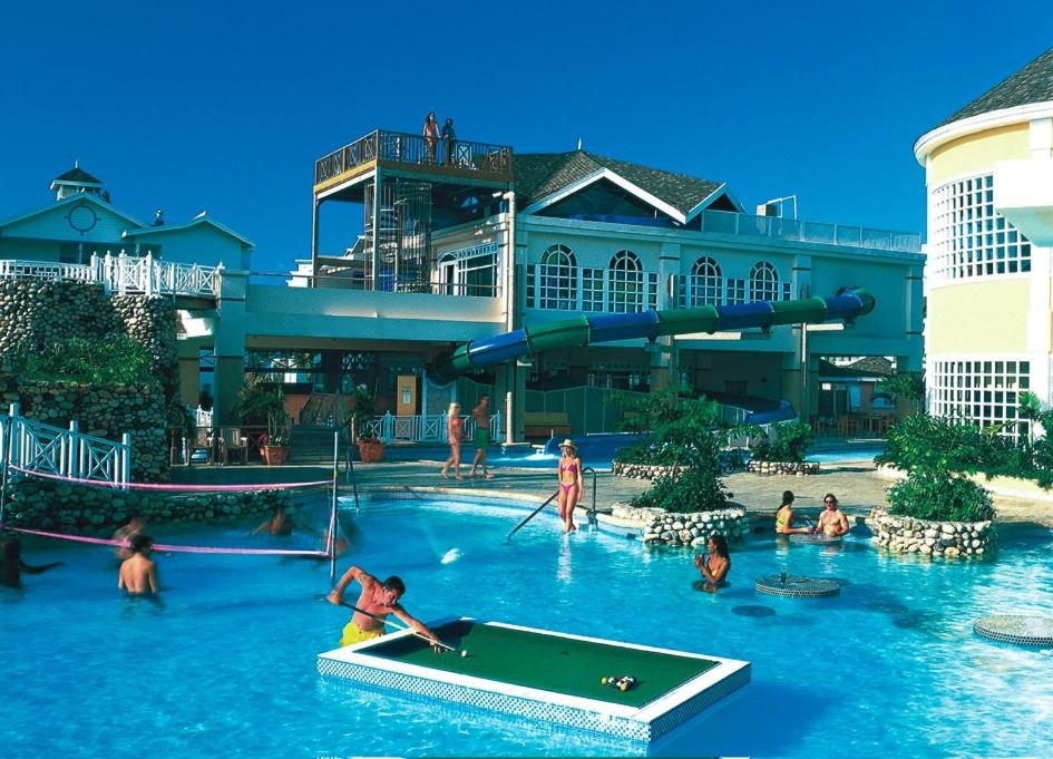 Caribbean Fun: Resort Decameron Fun Caribbean, Runaway Bay, Jamaica