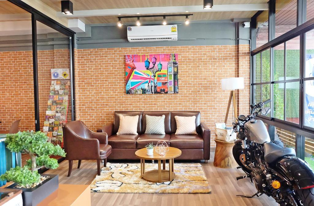 Chiang mai hipster hotel mini thailand for Hipster hotel