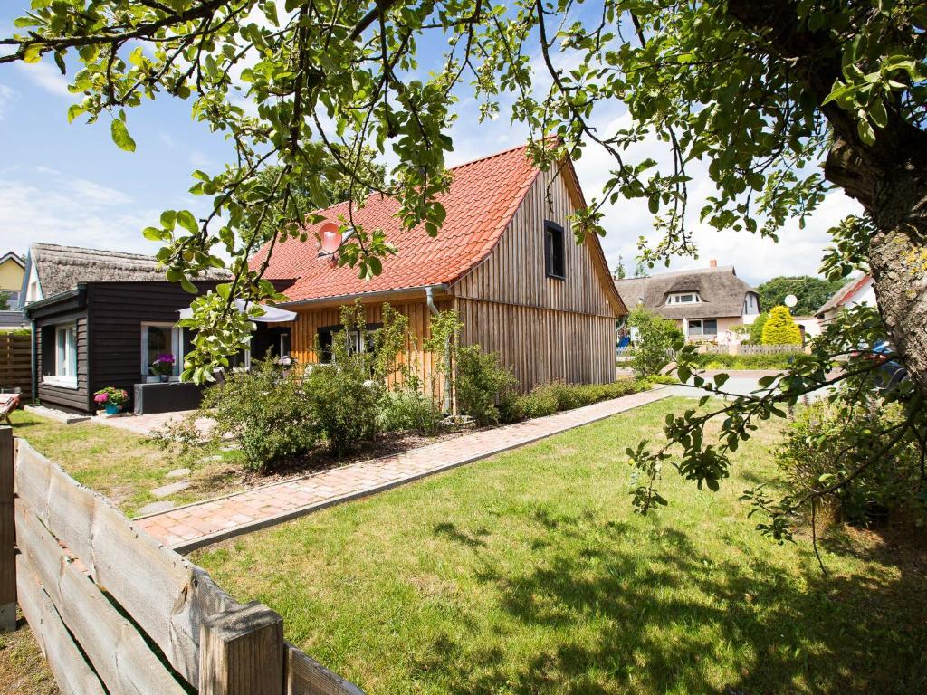 Ferienhaus Haus Sonnenwieck (Deutschland Wieck) - Booking.com