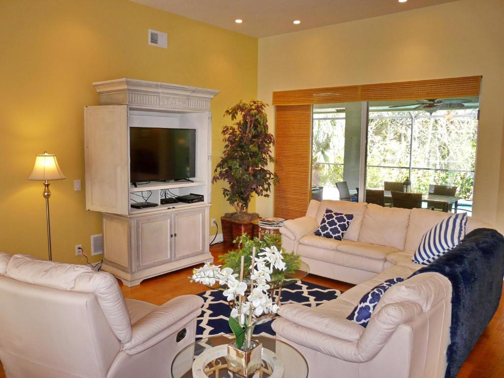 Vacation Home 243 Bald Eagle Drive, Marco Island, FL - Booking.com