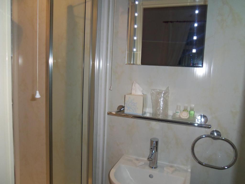 lynbar hotel blackpool uk booking com