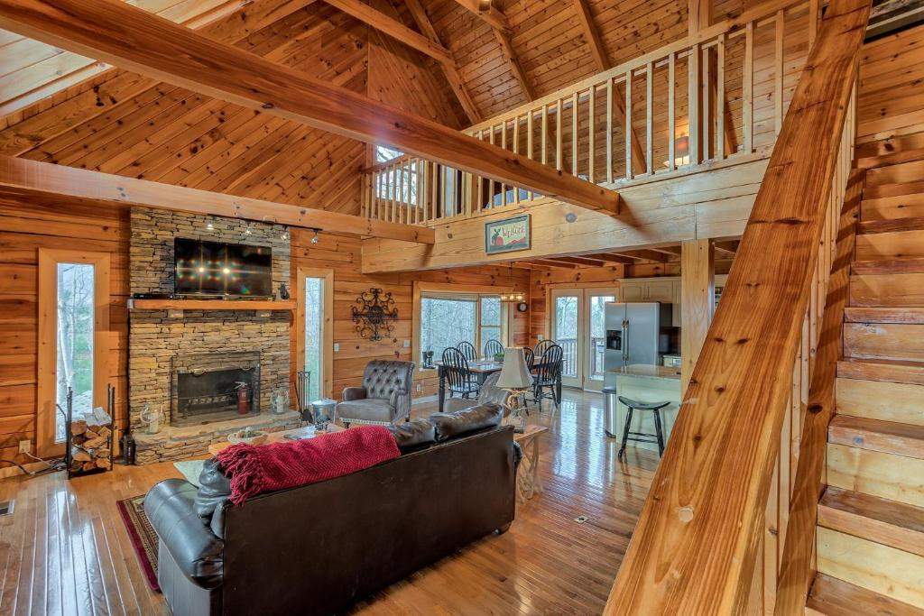 parkside gatlinburg in cabin log cabins located for bedroom tn sale palace