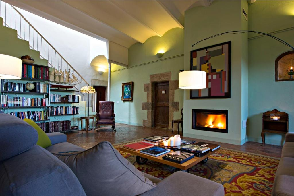 hotels with  charm in casavells  6