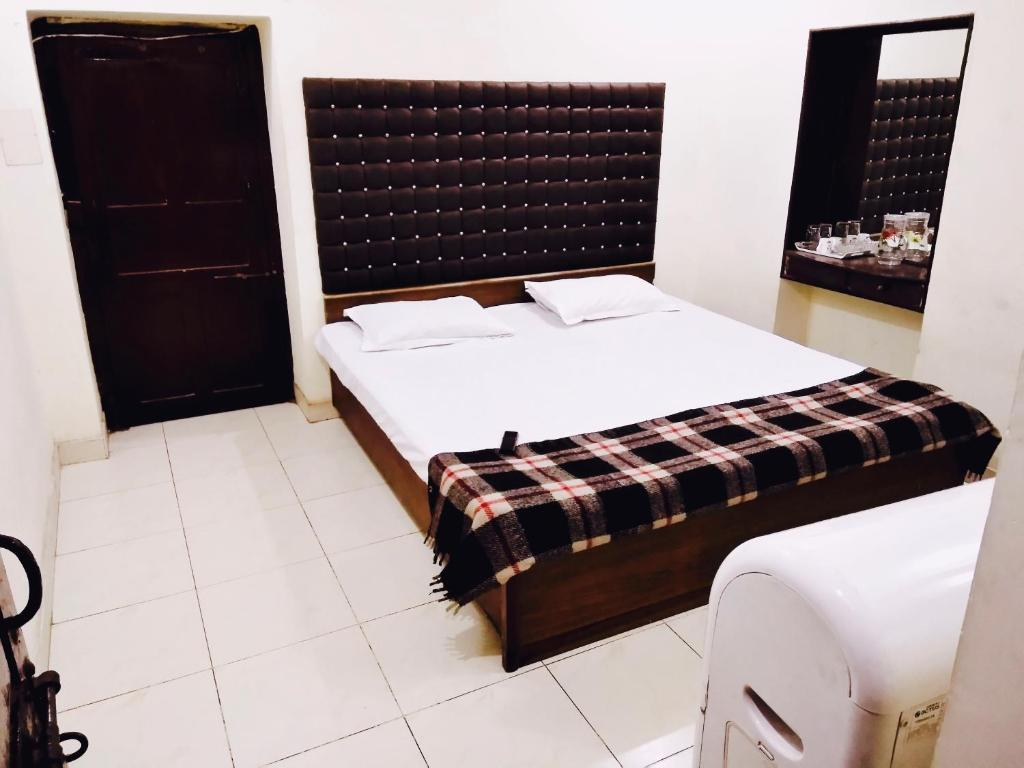 Roop Guest House, Lucknow, India - Booking com