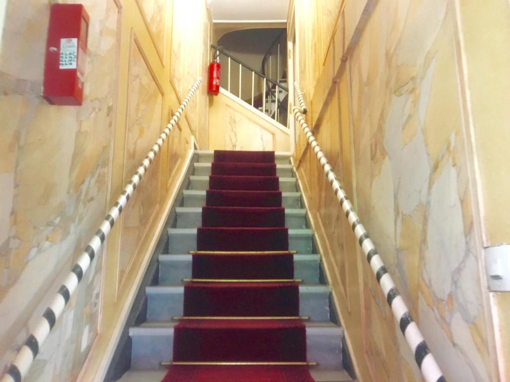 Hôtel du Centre, Paris, France - Booking.com