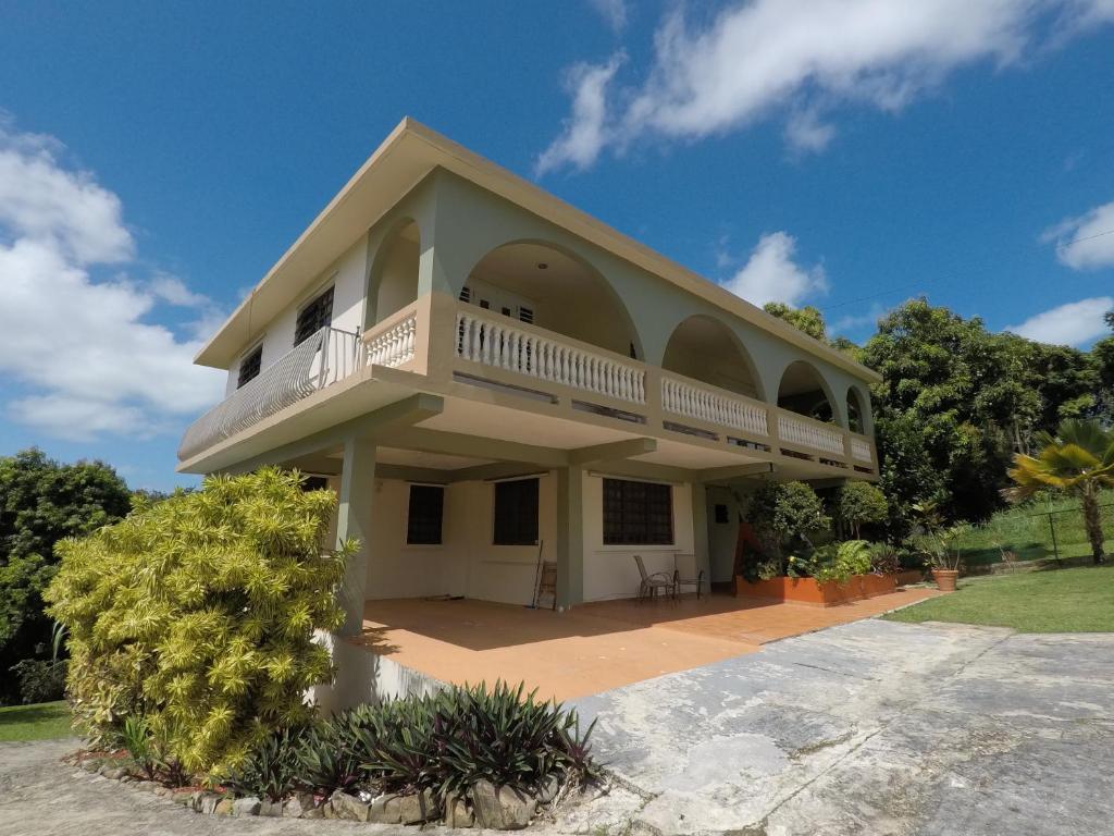 apartment casa coqui with garden views luquillo puerto. Black Bedroom Furniture Sets. Home Design Ideas