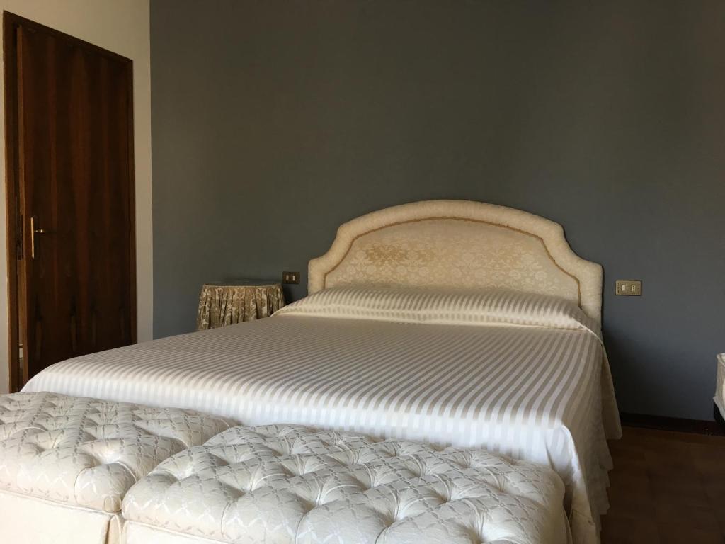 Guest House Casa Bellodi Novi Di Modena Italy Booking Com