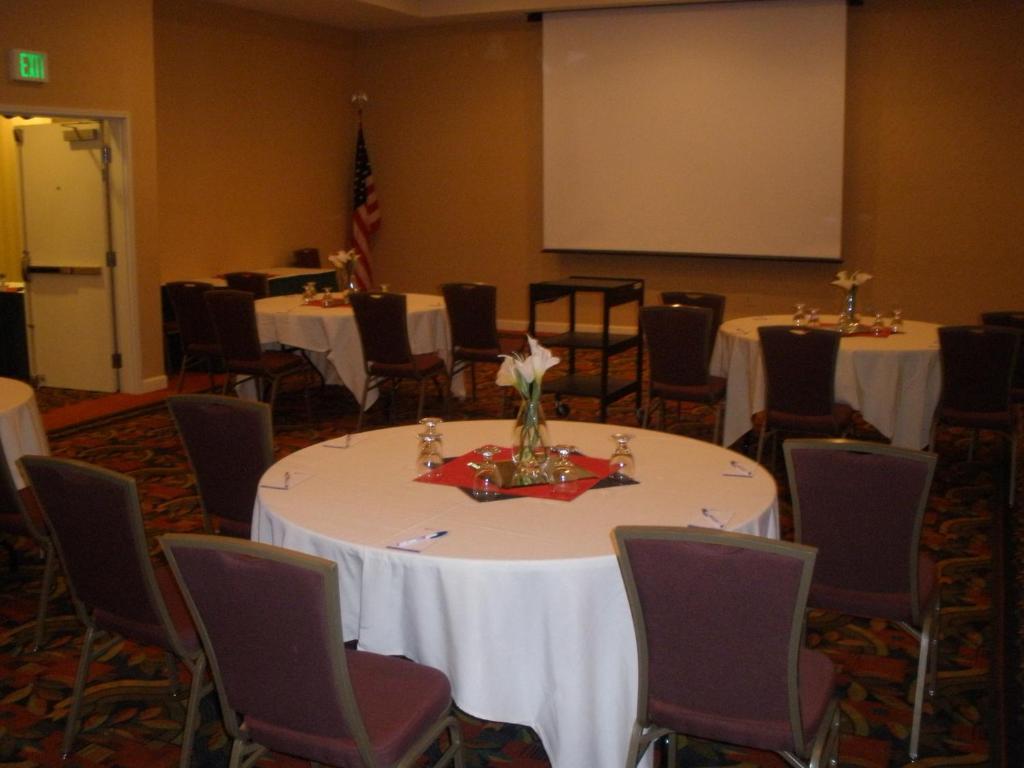 Hilton Garden Inn Yakima, WA - Booking.com