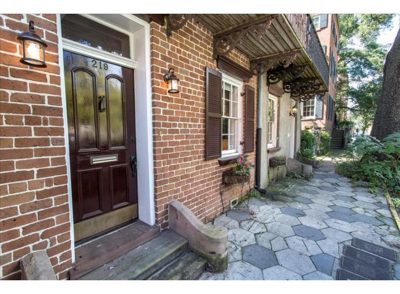 Oglethorpe square garden apartment one bedroom savannah - Cheap 1 bedroom apartments in savannah ga ...