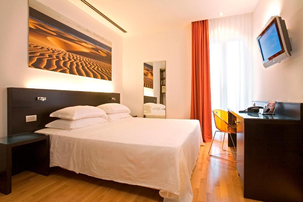 Card International Hotel