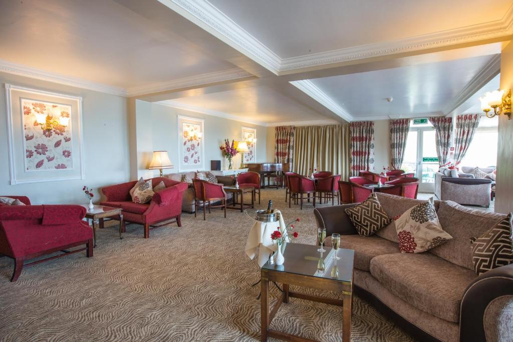 Corbyn Head Hotel