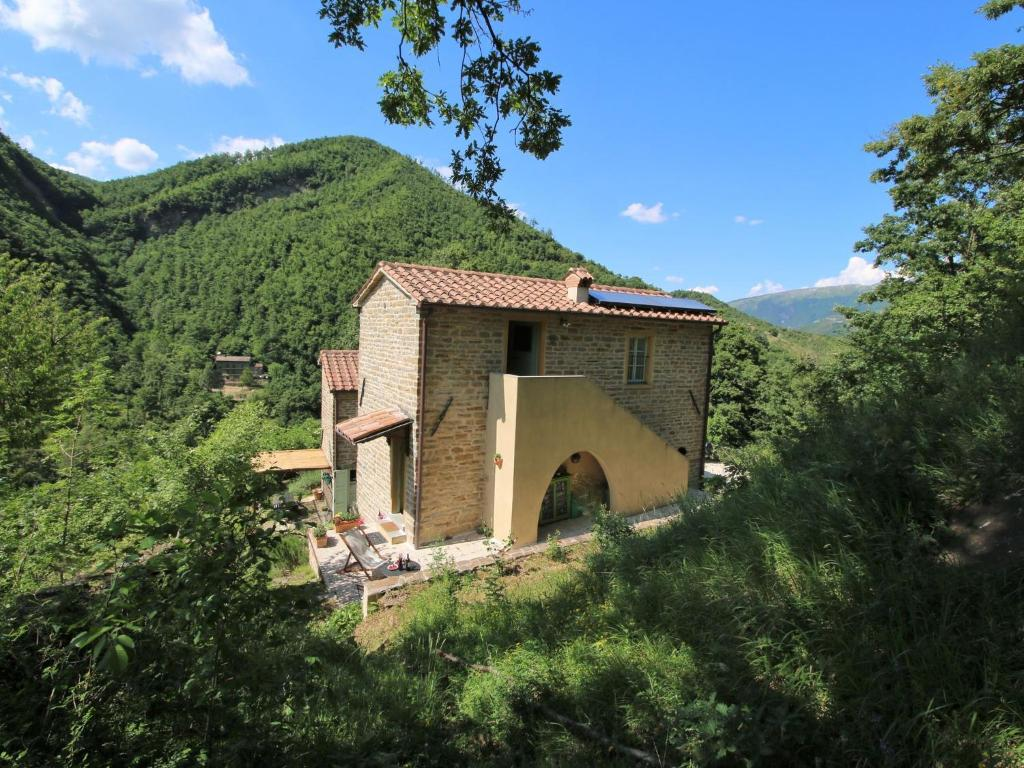 Nearby hotel : Holiday Home Giallo Cantiano