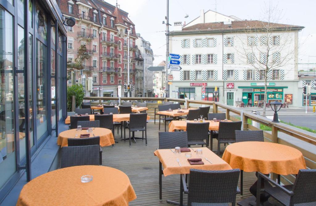 Htel de lOurs Lausanne Switzerland Bookingcom